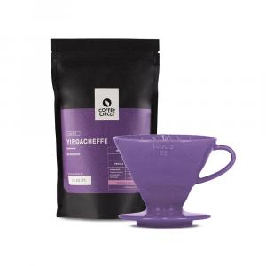 Filterkaffee und farbiger V60 im Set